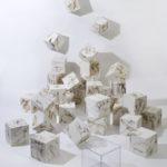installazione olio su tavole 33 cubi cm 20x20x20 anno 2008